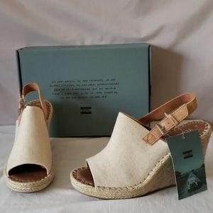 New TOMS Monica Natural Wedge